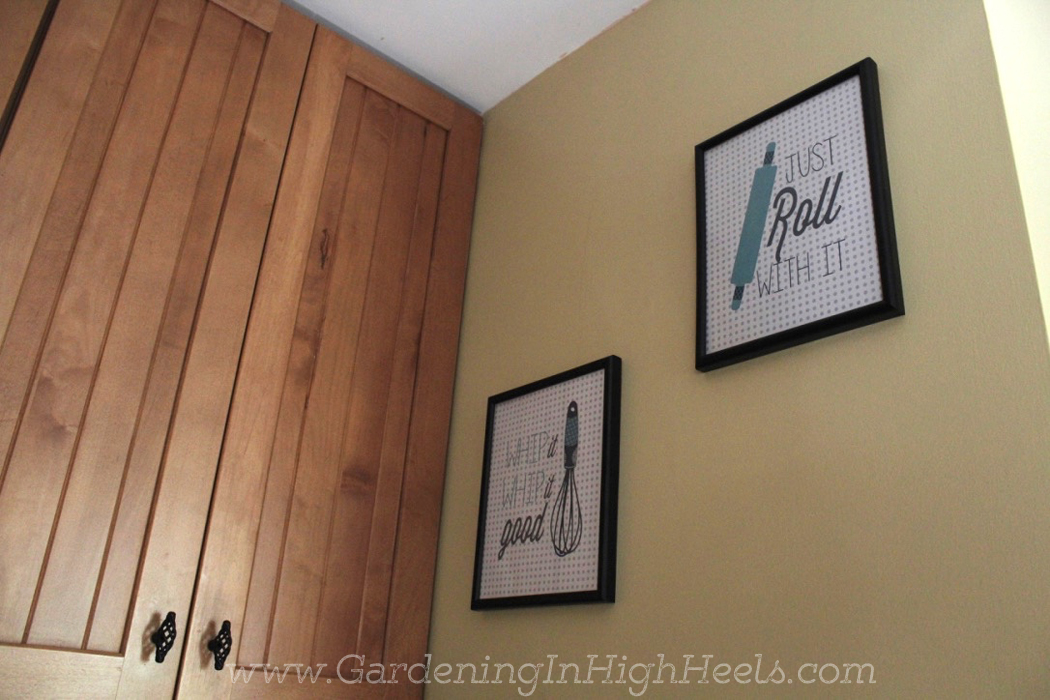 DIY frame makeover and cute printables. Be sure to use paint and primer in one to ensure a smooth coat that lasts!