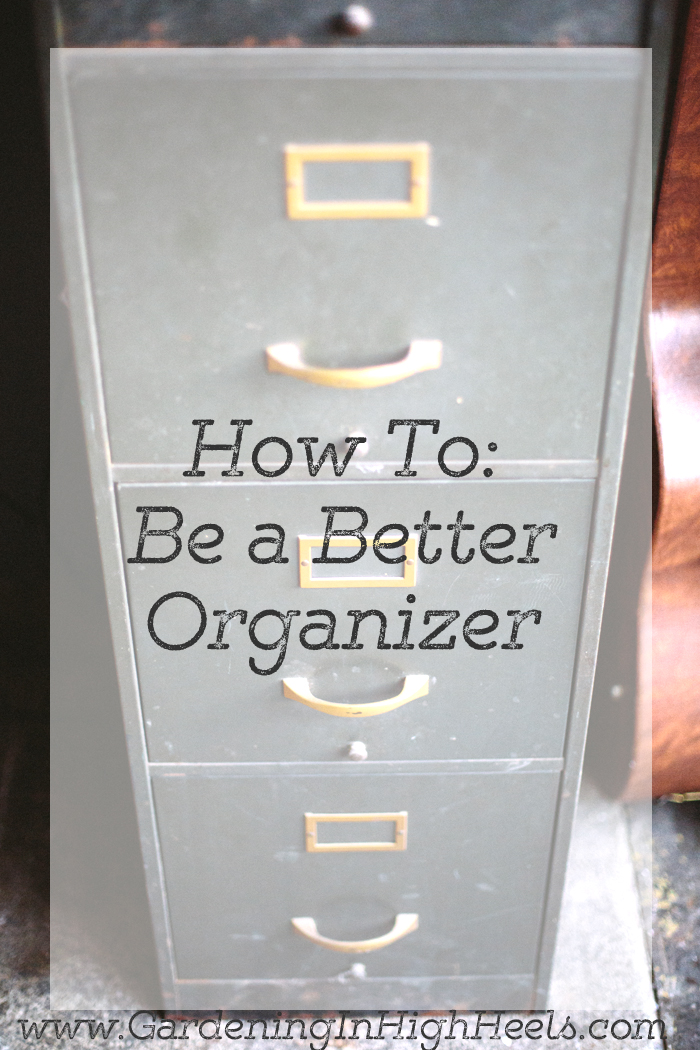 Not everyone is born with an organizational gene. Some people are just messy or hold on to things. I have 5 questions that will help you to be an organizer.